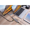product in gebruik USB C 6 In 1 Docking Station Space Gray