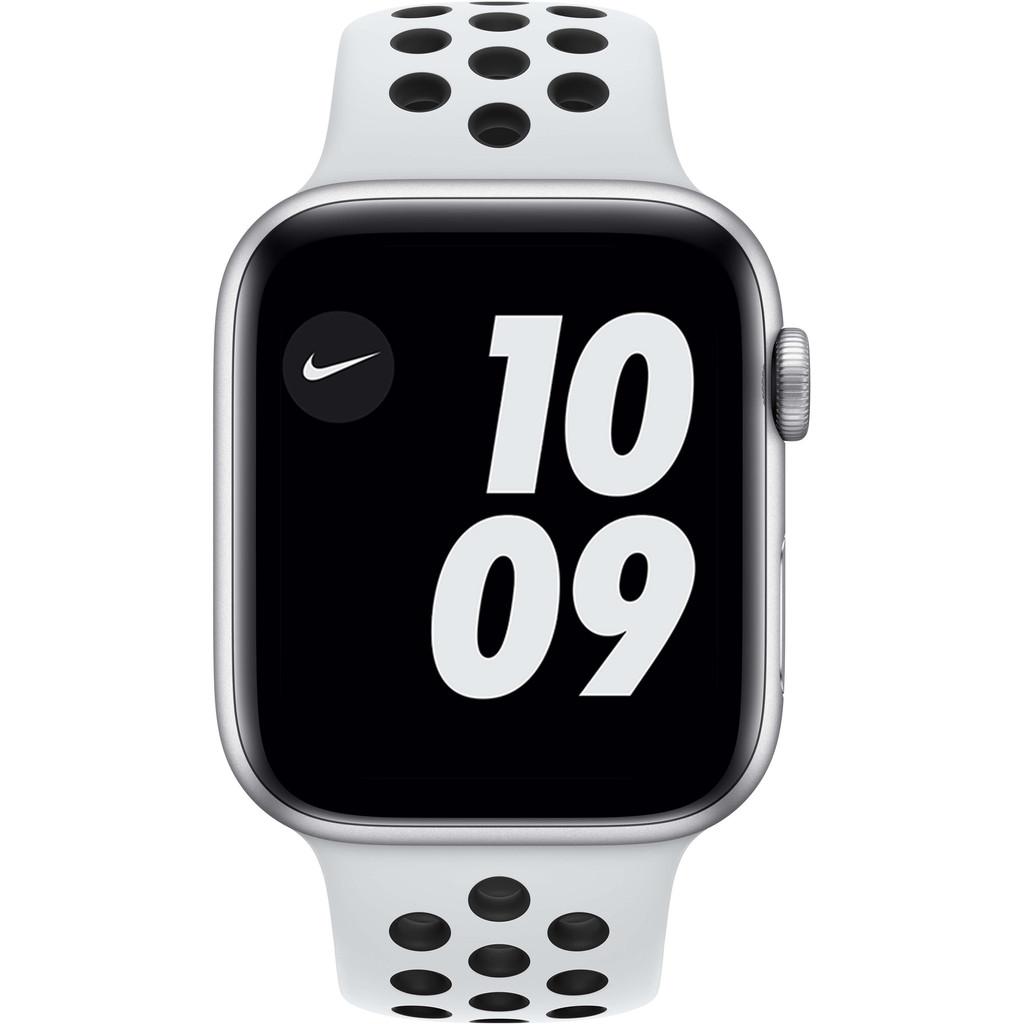 Tweedekans Apple Watch Nike Series 6 44mm Zilver Aluminium Witte Sportband