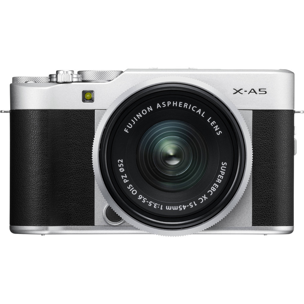Fujifilm X-A5 Zilver + 15-45mm f/3.5-5.6 OIS PZ in Son
