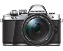 Olympus OM-D E-M10 Mark II Zilver + 14-150mm