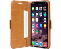 DBramante1928 Copenhagen Apple iPhone 11 Book Case Leer Bruin