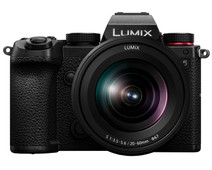 Panasonic Lumix DC-S5 Body + Lumix S 20-60mm f/3.5-5.6