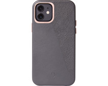 Decoded Dual Apple iPhone 12 / 12 Pro Back Cover Leer Grijs