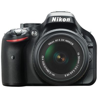 NIKON D 5200 + 18-55 VRII