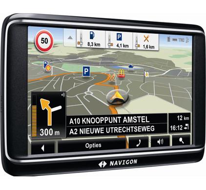 Navigon 70 Premium + Tas + Thuislader + Dashboard Donut