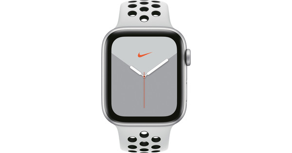 Apple Watch Nike Series 5 44mm Silver Aluminum/White Sport Band