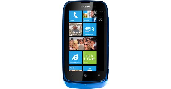 Hoofdtelefoon aansluiting. Voor Windows 8.1 Mobile zijn op dit moment minder apps beschikbaar dan iOS en Android.