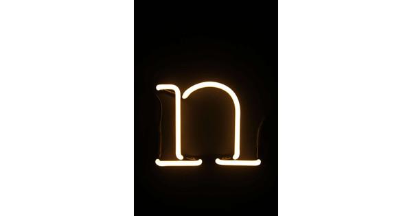 Neon Letters Huis : Seletti neon letter n coolblue voor 23.59u morgen in huis