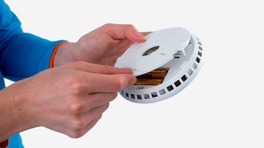 Vervang de batterijen of de rookmelder