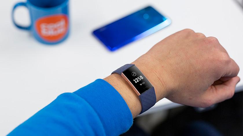 Fitbit Charge 3 zwart scherm verhelpen
