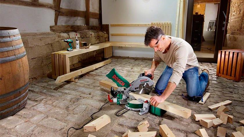 Miter sawing