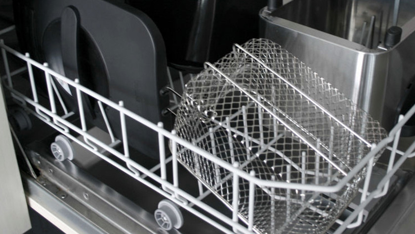 Seperate parts in the dishwasher