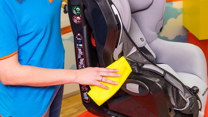 Autostoeltje schoonmaken