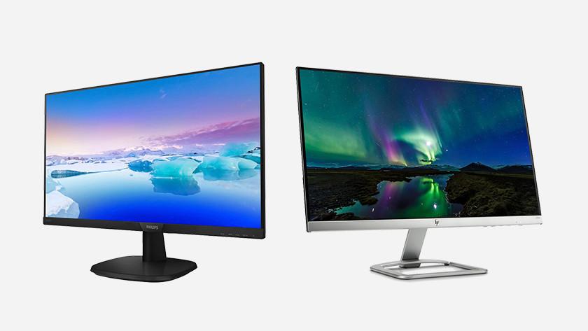 Twee monitoren naast elkaar.