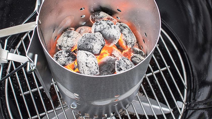 Houtskool aansteken duurt minimaal 30 minuten
