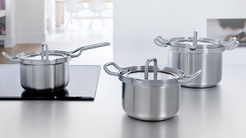 Different sizes of pans