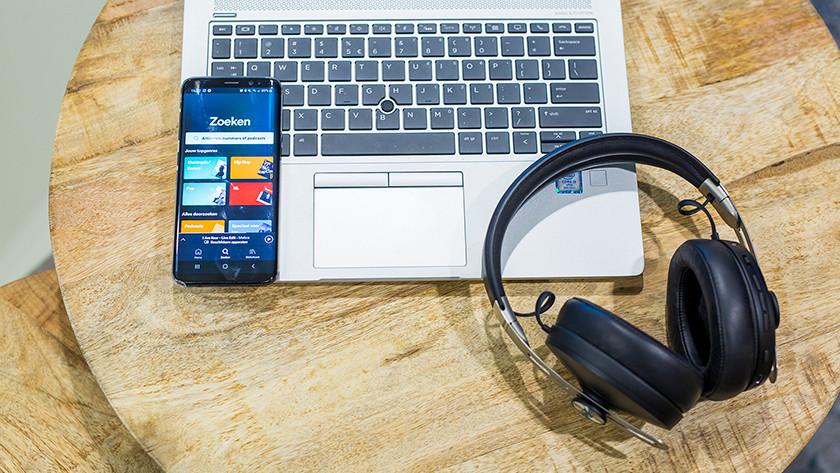 Earbuds laptop