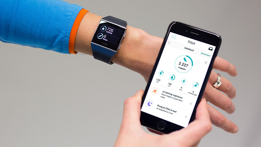 Connect Fitbit to smartphone