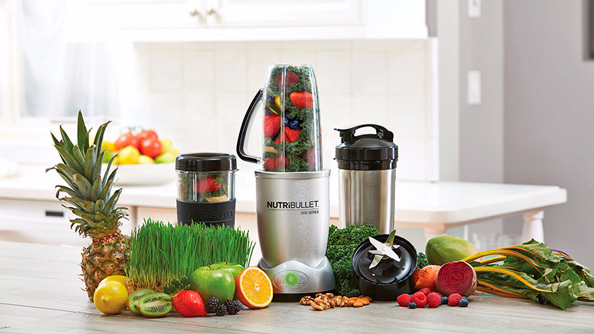 nutribullet 1200 met extra blendbekers en fruit