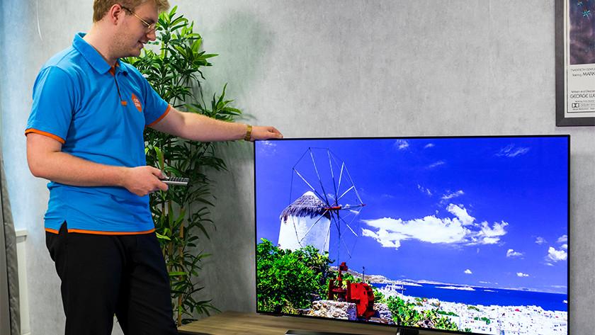 Kijkhoek en reflecties van de Hisense H55O8B OLED tv