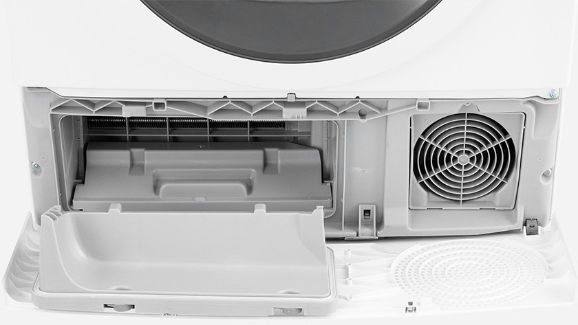 Dryer with self-cleaning condenser