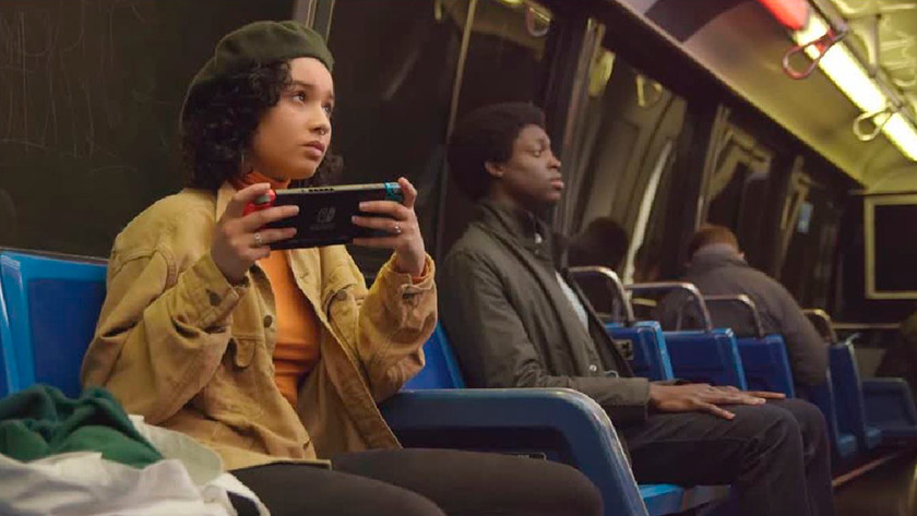 Nintendo Switch spelen in metro