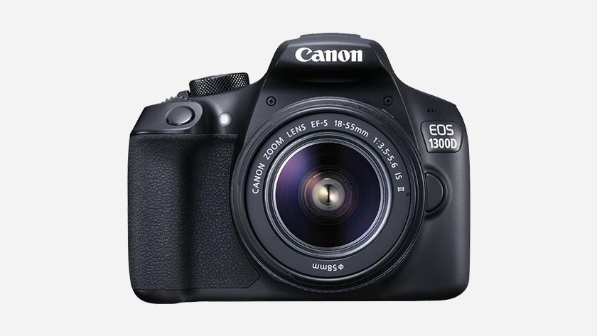 No WiFi and NFC Nikon D3300