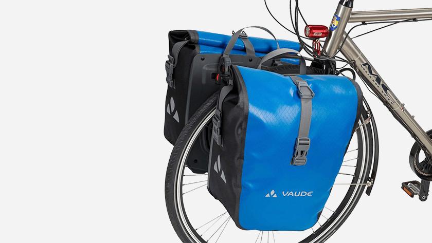 7e45ffb37b9 Een stevige fietstas is essentieel wanneer je op de fiets je boodschappen  vervoert. Maar wat voor type tas heb je dan nodig?
