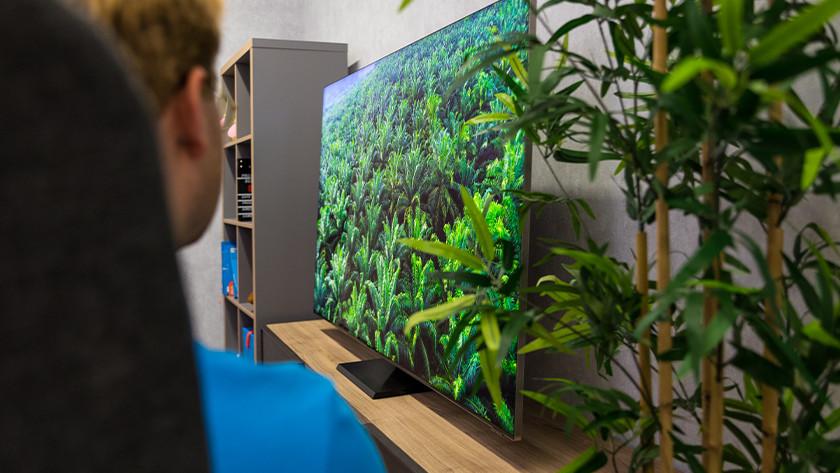 Kijkhoek en reflecties van de Samsung QLED Q950TS 8K tv