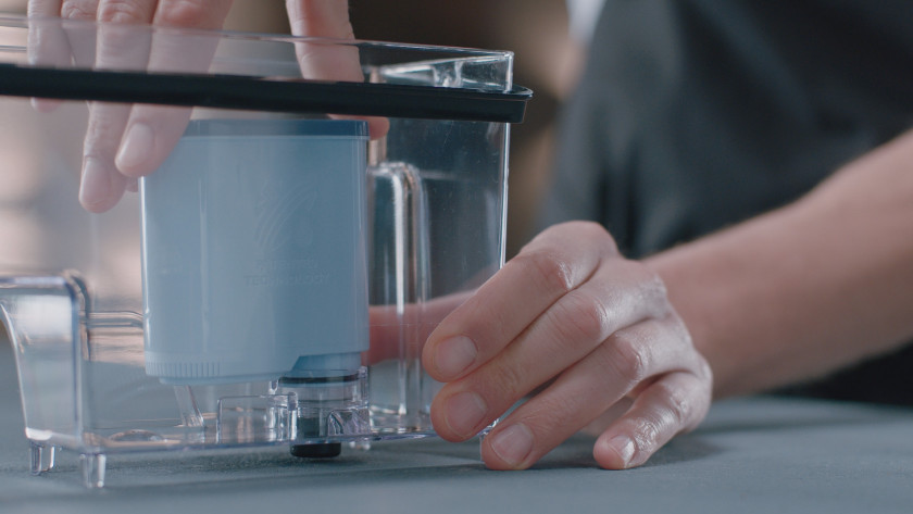 Water filter prevents limescale