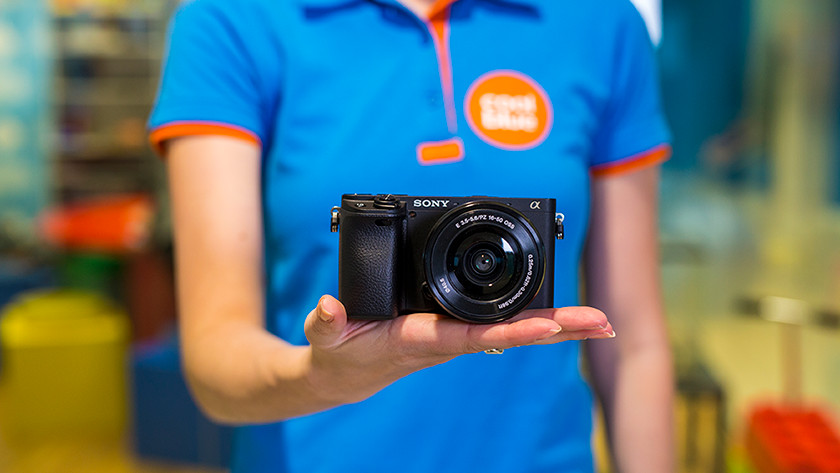When should you choose a mirrorless camera