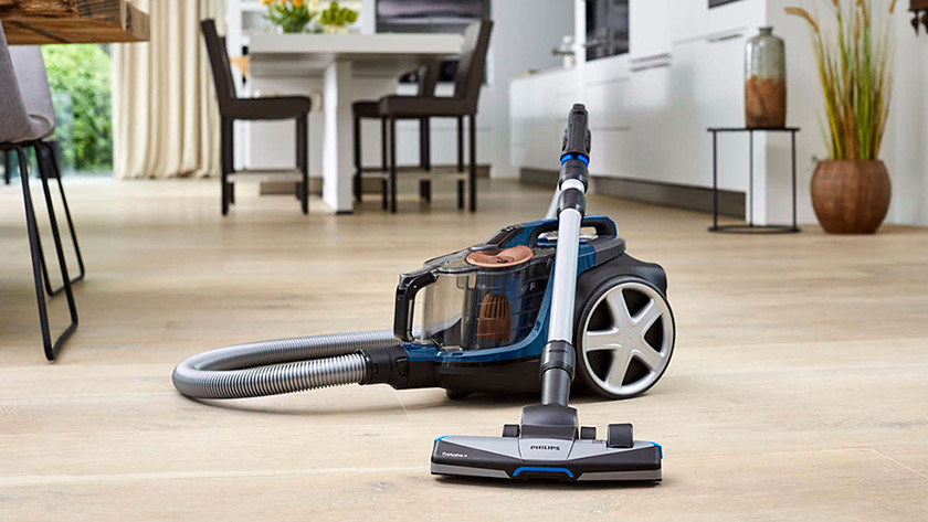 Vacuums with and without bag