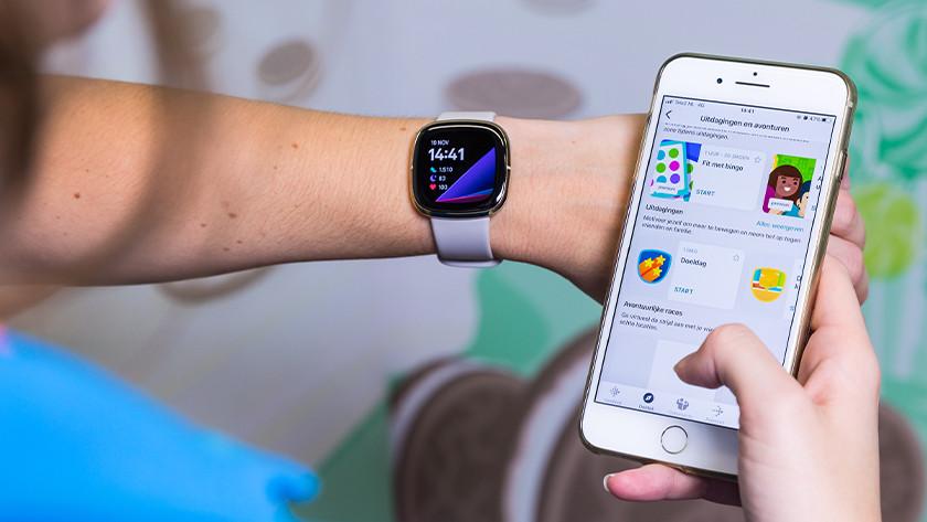 Fitbit Sense koppelen aan smartphone