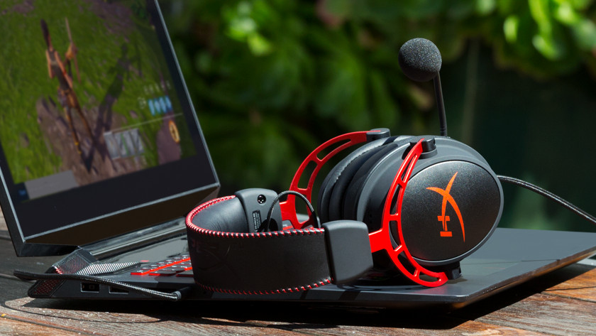 A gaming headset for online communication