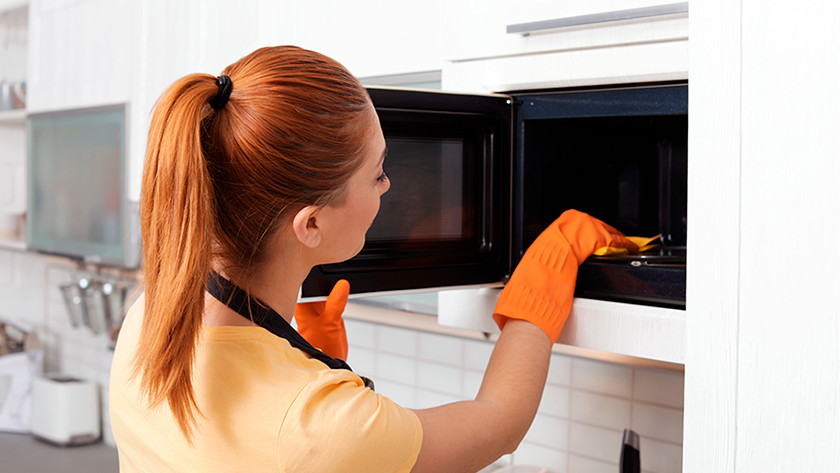 Clean the microwave inside