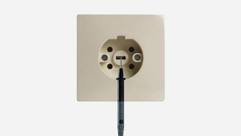 Perilex stopcontact meten