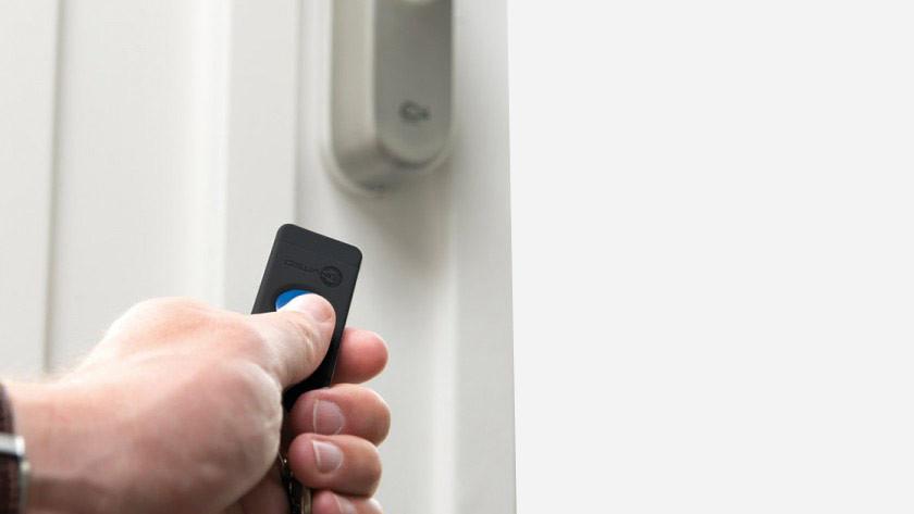 Door lock with remote control