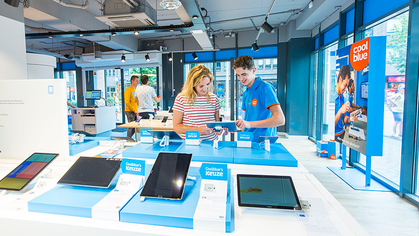 tablethoezen testen in de Coolblue winkel