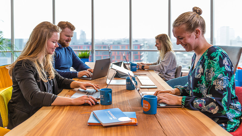 Samenwerken op het Coolblue kantoor.