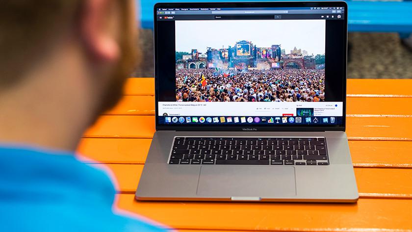 Apple MacBook Pro 16 inch speakers