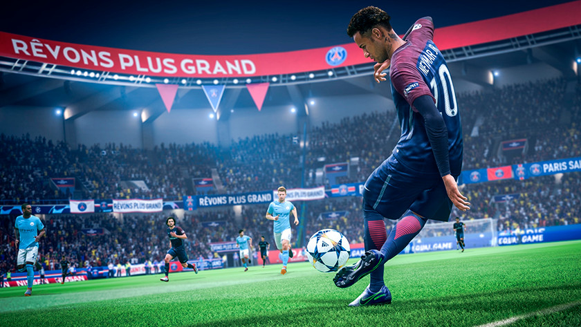 Neymar Junior kicks the ball in FIFA 19.