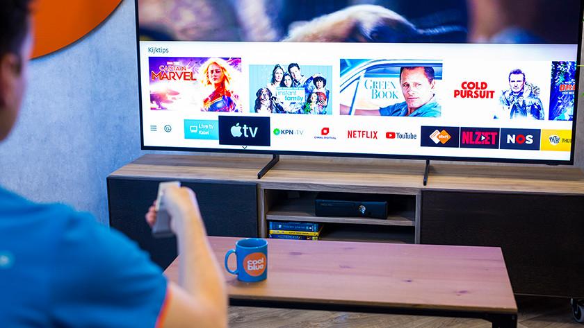 Samsung QEQ950R Smart Hub met Apple TV