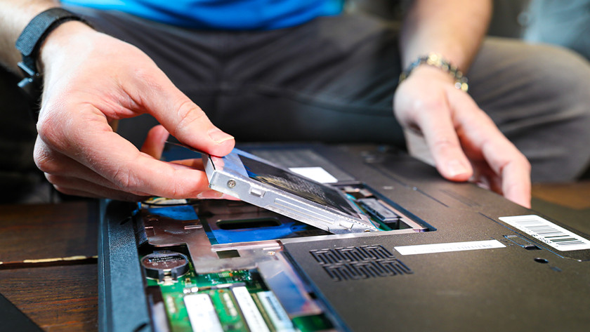 Man installs SSD in computer but Windows can't find the drive