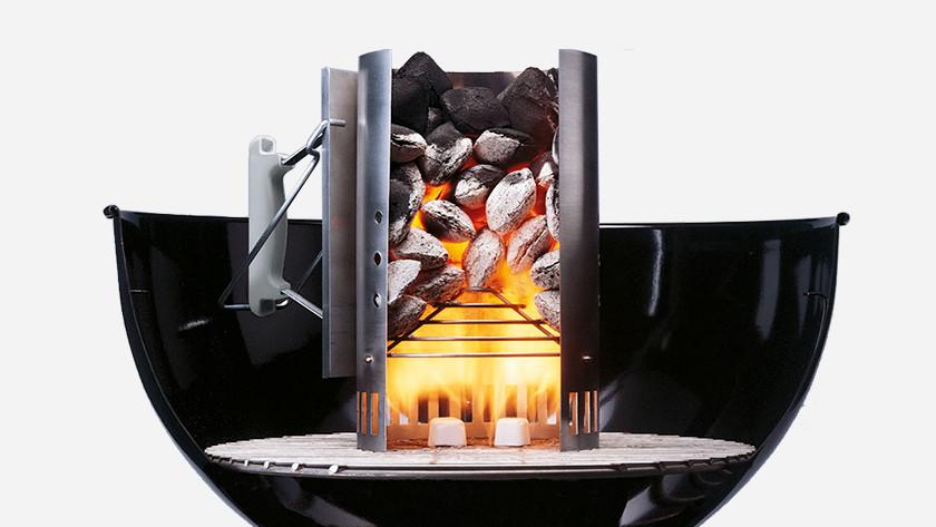 Barbecue aansteken met brikettenstarter