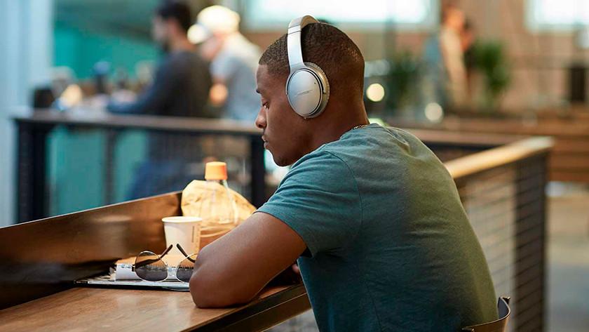 Noise canceling Bose QuietComfort 35