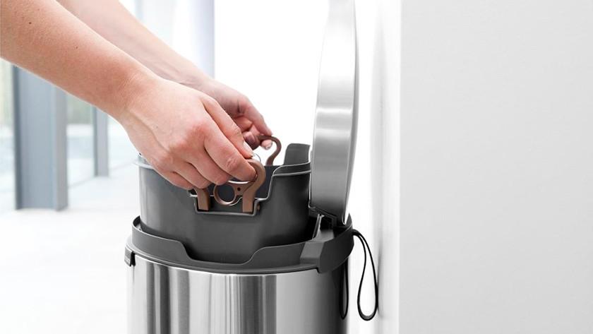 Advies over prullenbakken coolblue voor 23.59u morgen in huis
