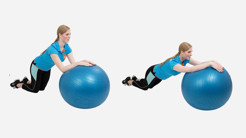 uitleg roll-out fitnessbal