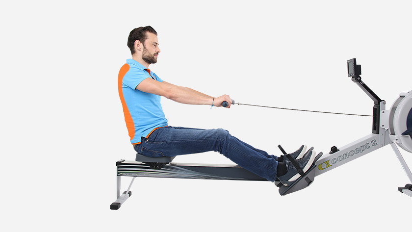 Rowing machine training back and shoulder muscles