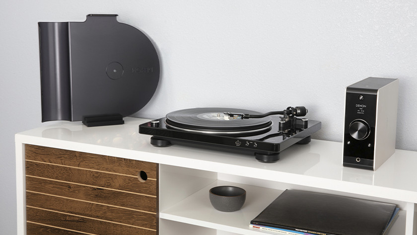 Record player with USB port