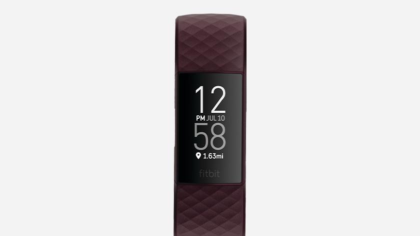 Fitbit Charge 4 bordeaux